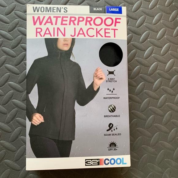 32 Degrees Jackets & Blazers - PLEASE READ DESCRIPTION 32 DEGREES Rain Jacket
